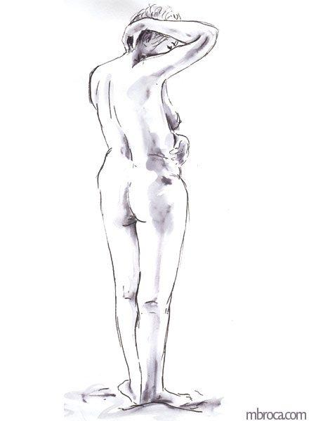 femme de dos debout