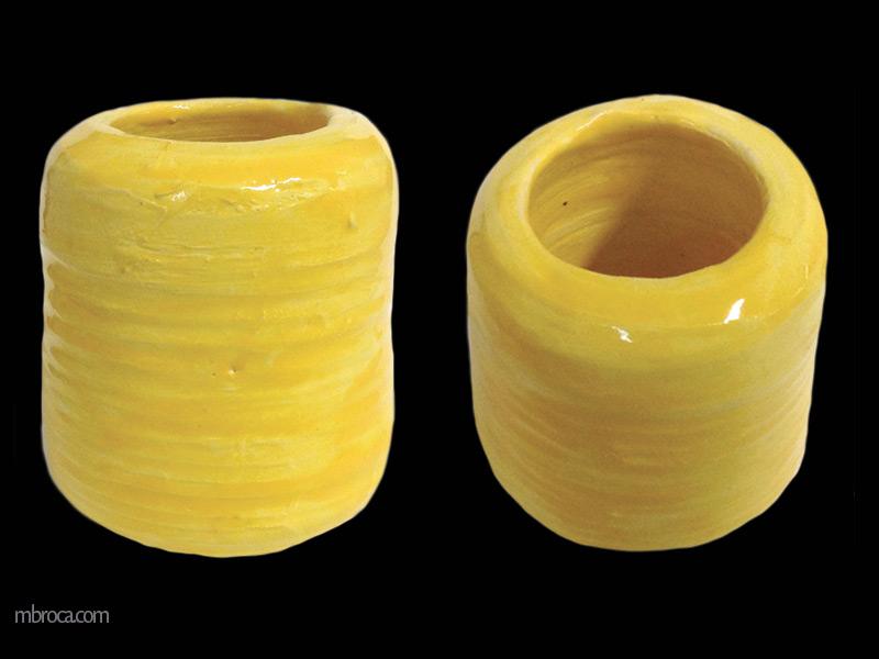 Vue d'un vase jaune