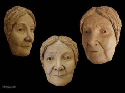 portrait de Marie Rouannet, femme agée souriante.