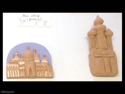 Deux palais en bas relief