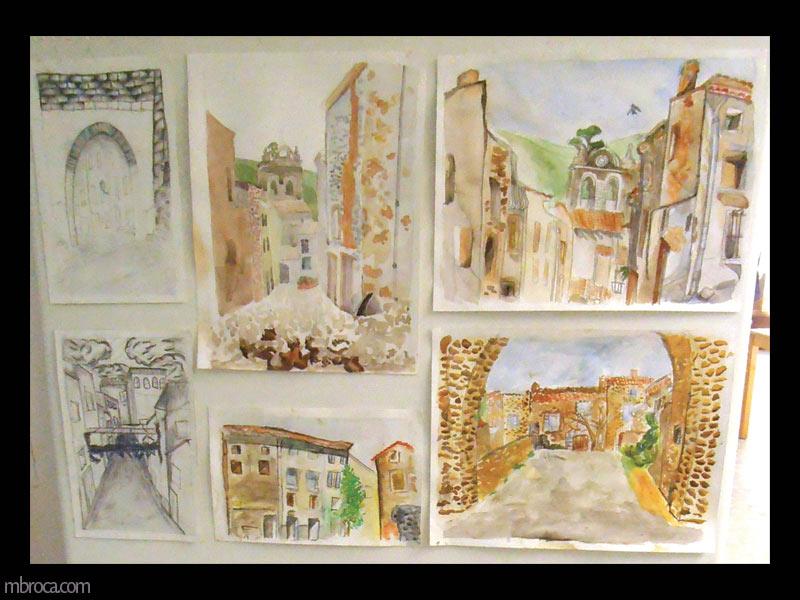 des vues de rues d'un village à l'aquarelle