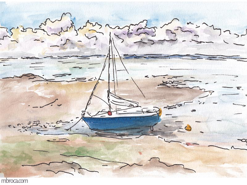 un bateau échoué à marée basse