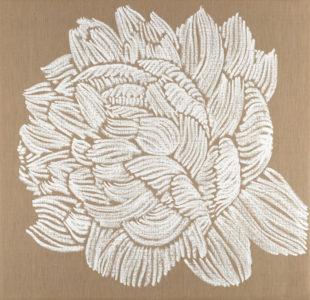 5 expositions 2018, une pivoine dessinée par des traits blancs sur une toile de lin brut.