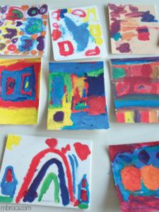Mélanges des couleurs primaires : huit tableaux