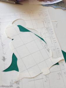 Une silhouette découpée dans du papier.