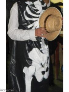Animation BAFA : déguisement de squelette.