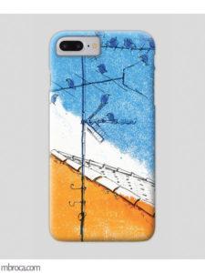 Inprint : Coque de smartphone, une antenne sur un toit avec des oiseaux perchés dessus.