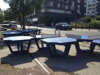 Le voyage à Nantes : tables en quinconce