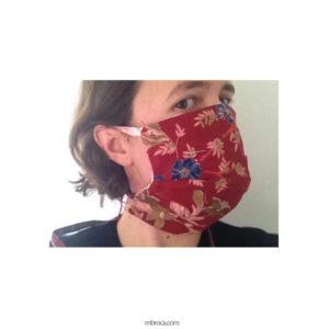 masque à trois plis sur visage de profil